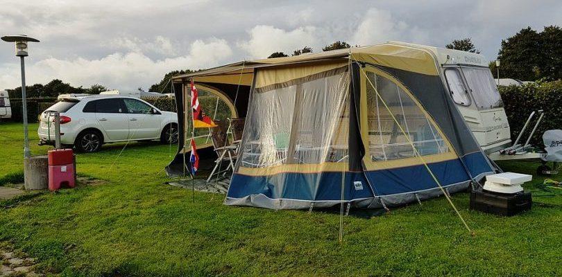 Camping-Essentials-810×400